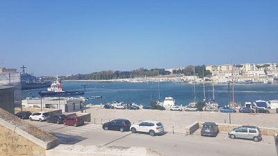 Contrabbando sigarette su nave,6 arresti