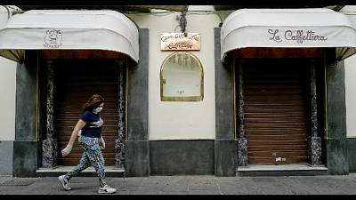 Torna caffè a Napoli, ma big non aprono