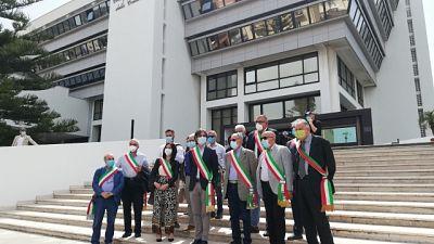 Protesta sindaci reggini per rifiuti