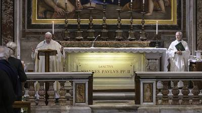 Papa: con Wojtyla Dio ha visitato popolo