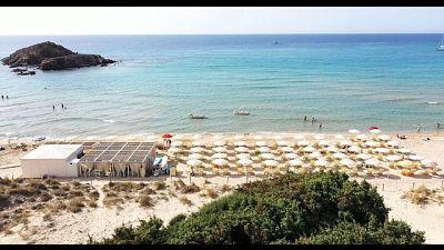 Sardegna, sì a bagni ma a distanza
