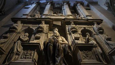 Vaticano, evitare danni arte chiese