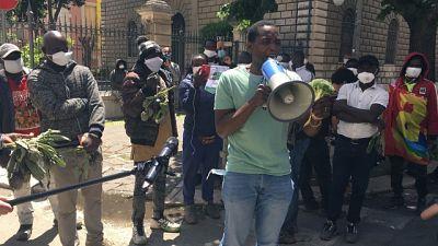 Migranti: protesta braccianti a Foggia