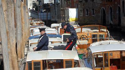 Assembramento in barca a Venezia, puniti