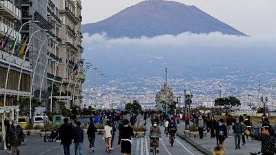 Napoli,lungomare bloccato,'notte follia'
