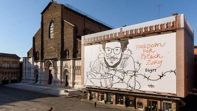 Zaky:maxi disegno in piazza a Bologna