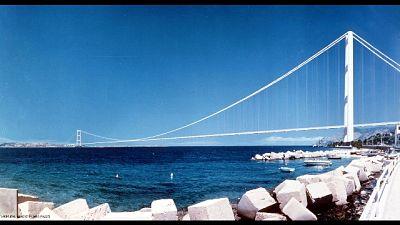 Santelli, favorevole a Ponte Stretto