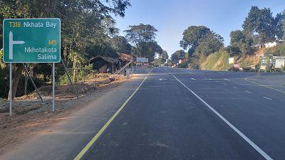 Malawi : le tronçon Mzuzu-Nkhata Bay rénové grâce à la Banque africaine de développement devient l'une des routes les plus sûres du pays (rapport)