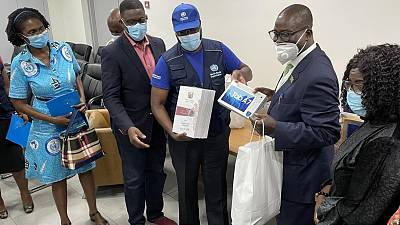 Coronavirus - Ghana: COVID-19 patients on admission receive Dignity Kits from WHO