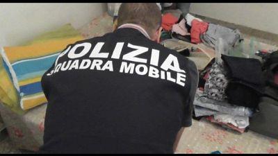 Indagine dopo sbarco, operazione nazionale della squadra mobile