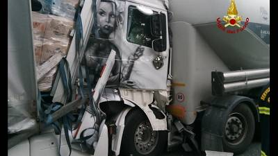 Scontro tra 4 Tir dopo Arenzano, tra due auto a Rossiglione
