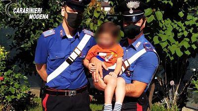 Il piccolo era andato in giro nel Modenese, i genitori dormivano