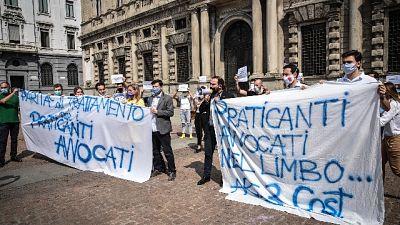 Iniziativa in piazza Scala a Milano, oltre 20 mila in attesa