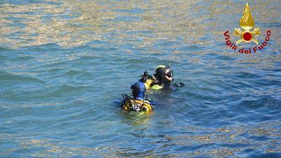 Incidente nel Maceratese, Vvf trovano corpo a pochi metri riva