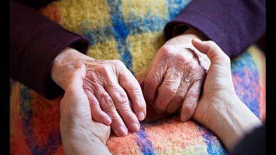 Obbligatori e gratuiti, 'proteggere anziani e loro familiari'
