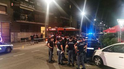 Giovane 23enne colpito al collo e al torace da 10 sudamericani