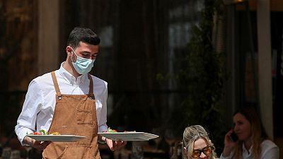 إيطاليا تسجل 301 وفاة جديدة بفيروس كورونا و8444 إصابة