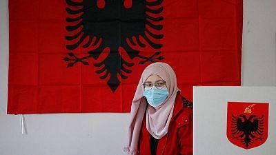 نتائج أولية: الحزب الحاكم بألبانيا يفوز بنسبة 49.4% من الأصوات في انتخابات الأحد