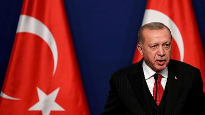 تركيا تقول إن تحسين العلاقات مع القاهرة قد يعزز جهود السلام في ليبيا