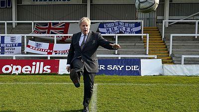 """Reino Unido niega que Johnson dijera preferir """"que los cuerpos se amontonen"""""""