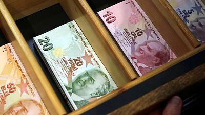 الليرة التركية ترتفع 1%، معوضة خسائر الأسبوع الماضي