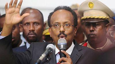 الرئيس الصومالي يرضخ للضغوط ويقرر عدم تمديد فترته لعامين