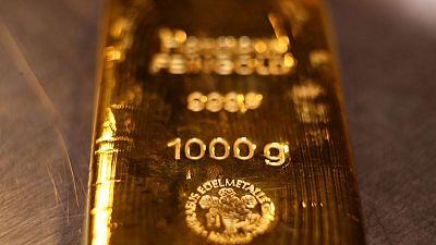 مخاوف بشأن المعروض تدفع البلاديوم إلى ذروة جديدة والذهب ينتظر اجتماع المركزي الأمريكي