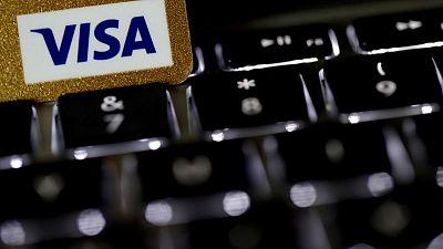 """Visa sale de la """"tormenta COVID"""" a medida que se recuperan los volúmenes de gastos"""