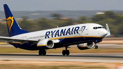 Ryanair would develop UK routes if passenger tax cut - exec