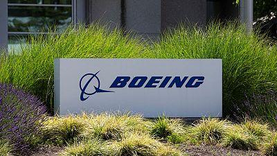 Boeing registra menor pérdida de la prevista por mejoría en entregas de aviones