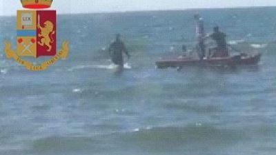 Polizia lo scova in vacanza in località balneare del Napoletano