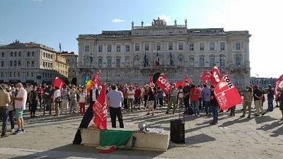 Manifestazione a Trieste, consegnata lettera a Prefetto