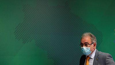 Brasil reporta 3.163 nuevas muertes por COVID-19 y el total se acerca a 400.000