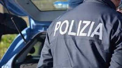 A Foggia, 44enne avvicinata da un uomo 'dammi borsa o ti uccido'