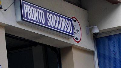 Firenze, 45enne pestato da malvivente poi in fuga sui tetti