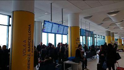 In aeroporto Bari, nessun ha fermato uomo senza biglietto