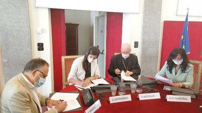 Accordo tra Comune, Arcidiocesi e Ufficio Scolastico Regionale