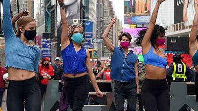 """Alcalde de Nueva York dice que la ciudad """"reabrirá completamente"""" el 1 de julio"""