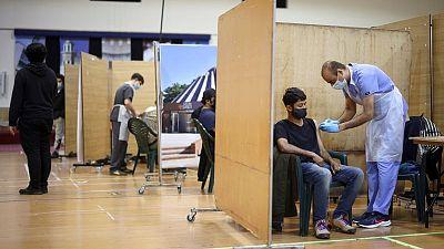 بريطانيا: أكثر من 34 مليونا حصلوا على الجرعة الأولى من لقاح كوفيد-19