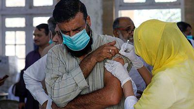 وزير الصحة: باكستان ستحصل على 15.4 مليون جرعة للقاح كوفيد-19 خلال شهرين