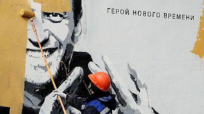 Crítico del Kremlin Navalny, desafiante pero demacrado luego de huelga de hambre