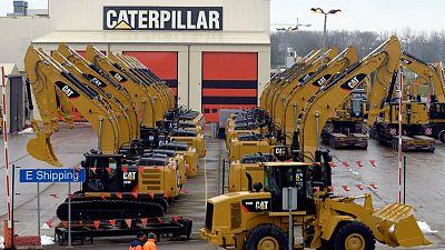 Caterpillar destaca riesgos en cadena de suministro mientras recuperación global impulsa sus ganancias