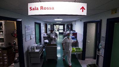 Pazienti in terapia intensiva salgono a 13, quarantene in calo