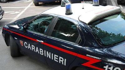 Esposto ai carabinieri nel bresciano, erano con tre giovani