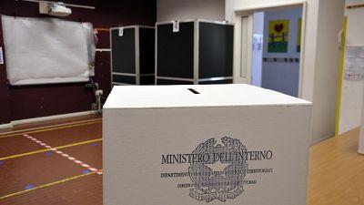 Ora al via scrutini per suppletive, referendum, regionali