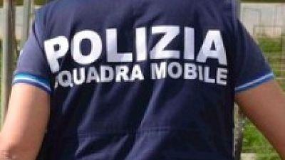 Blitz con 100 poliziotti disposto dalla Dda di Lecce