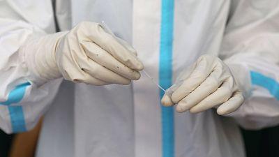 Record tamponi, oltre 118mila. 52mila malati, salgono Intensive.