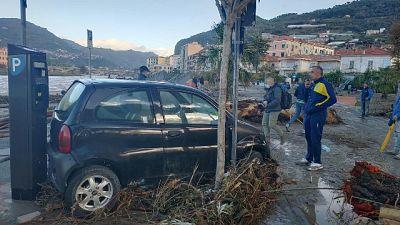 Crollo in tratto vecchia statale 20 e ponte a Vessalico
