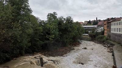 A Crevacuore cede una spalletta del ponte sullo Strona