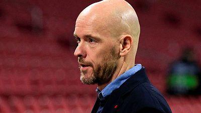 المدرب تن هاج يمدد تعاقده مع أياكس أمستردام